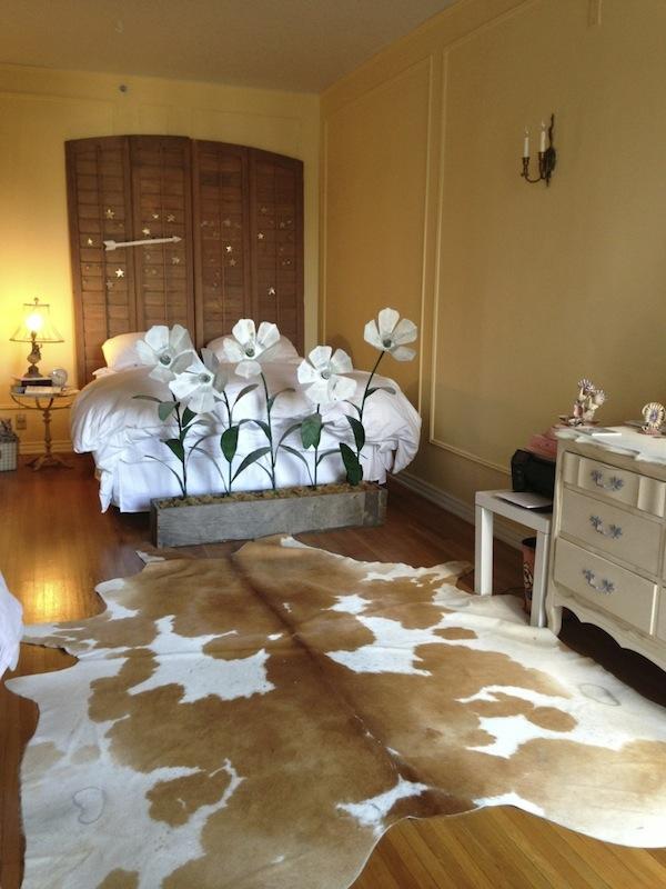 flea market decor master bedroom